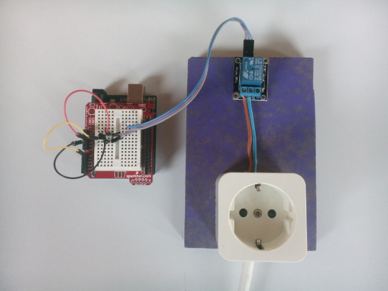 S4A-controlled relay, with a temperature sensor